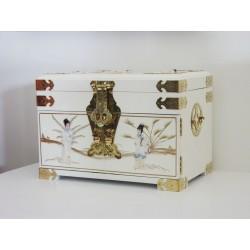 Boîte à bijoux chinoise laquée blanche 36x24x26