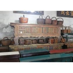 Meuble bas chinois ancien de Pékin